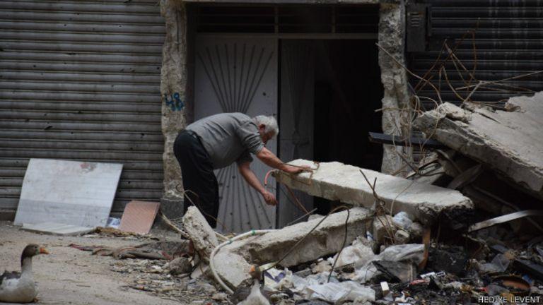 Yarmuk'ta gıda malzemeleri ve içme suyuna erişimde büyük sorun yaşanıyor.